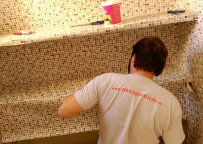 Pintor de Decopinturas  en estanterias piso