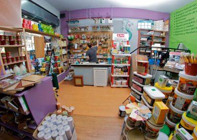 Interior-tienda-de-pintura-y-decoración